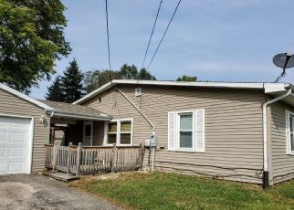 Foreclosed Home in Oregon 61061 N ETNYRE AVE - Property ID: 4511135839