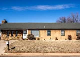 Foreclosed Home in Thomas 73669 E BROADWAY ST - Property ID: 4511137132