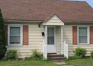 Foreclosed Home in Effingham 62401 E BRENTWOOD AVE - Property ID: 4511206342