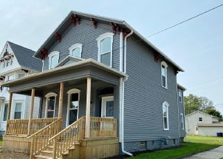 Foreclosed Home in Racine 53403 PARK AVE - Property ID: 4511331606