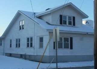 Foreclosed Home in Charleston 61920 9TH ST - Property ID: 4511415250
