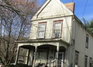 Foreclosed Home in Darlington 16115 4TH ST - Property ID: 4511757308
