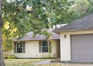 Foreclosed Home in Neosho 64850 SALLY ANN AVE - Property ID: 4511765191