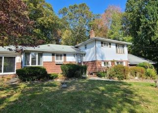 Foreclosed Home in Norwalk 06851 WINDING LN - Property ID: 4511791477