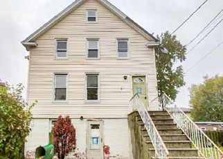 Foreclosed Home in Little Ferry 07643 GRAND ST - Property ID: 4511797611
