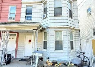 Foreclosed Home in Woodhaven 11421 PARK LN S - Property ID: 4511833522