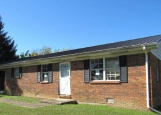Foreclosed Home in Somerset 42503 TOMAHAWK DR - Property ID: 4511854993
