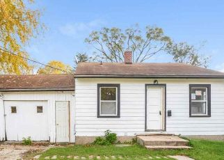 Foreclosed Home in Madison 53714 MEMPHIS AVE - Property ID: 4512074403