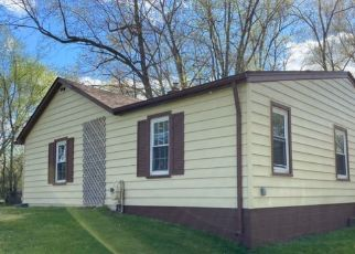 Foreclosed Home in Livonia 48154 SANTA ANITA ST - Property ID: 4512088422