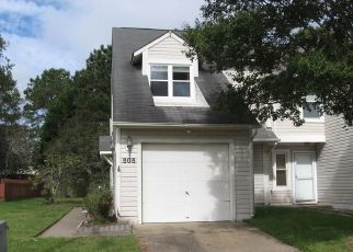 Foreclosed Home in Virginia Beach 23454 QUESNEL DR - Property ID: 4512105505
