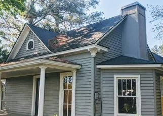 Foreclosed Home in Hope Mills 28348 HILL ST - Property ID: 4512179520
