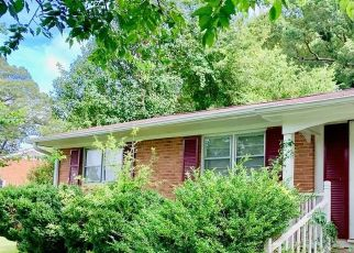 Foreclosed Home in Burlington 27217 GLEN OAKS DR - Property ID: 4512210620