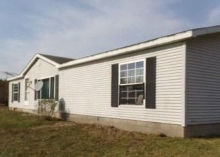 Foreclosed Home in Frankfort 49635 CARLSON RD - Property ID: 4512265363