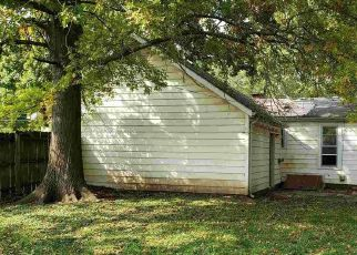 Foreclosed Home in Petersburg 62675 N 5TH ST - Property ID: 4512314861