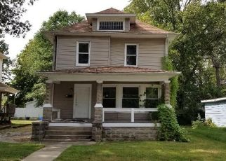 Foreclosed Home in Charleston 61920 7TH ST - Property ID: 4512381427