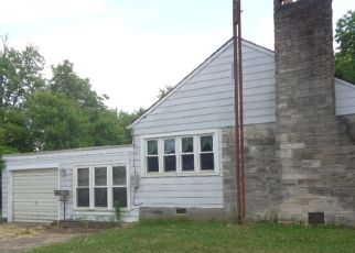 Foreclosed Home in Oblong 62449 N TAYLOR ST - Property ID: 4512677947