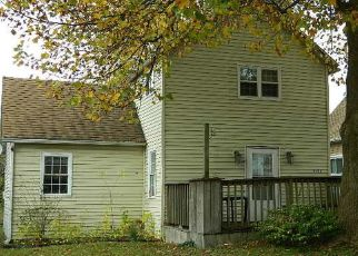 Foreclosed Home in Clinton 61727 E WASHINGTON ST - Property ID: 4512694580