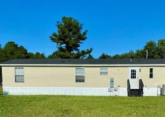 Foreclosed Home in Red Springs 28377 S DUFFIE RD - Property ID: 4512704658