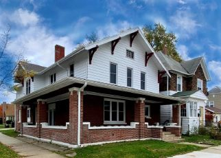 Foreclosed Home in Racine 53403 GRAND AVE - Property ID: 4512705526