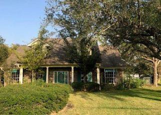 Foreclosed Home in Santa Fe 77510 AVENUE N - Property ID: 4512875913
