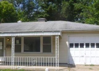 Foreclosed Home in Peoria 61604 N FLORA AVE - Property ID: 4512932396