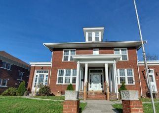 Foreclosed Home in Harrisburg 17103 HERR ST - Property ID: 4512985843
