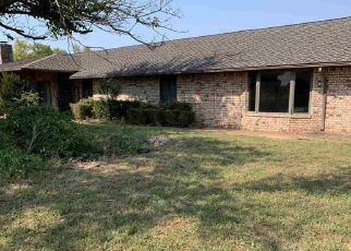 Foreclosed Home in Walters 73572 E 1810 RD - Property ID: 4512991524