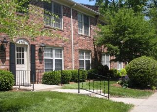 Foreclosed Home in Louisville 40207 WEYBRIDGE GDNS - Property ID: 4513029184