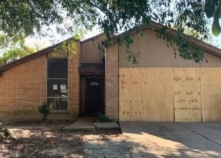 Foreclosed Home in Houston 77067 LACEWING LN - Property ID: 4513058988