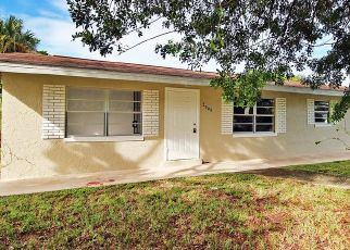 Foreclosed Home in Fort Pierce 34947 AVENUE R - Property ID: 4513342343