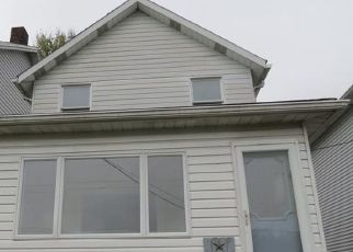 Foreclosed Home in Connellsville 15425 1ST ST - Property ID: 4513351541