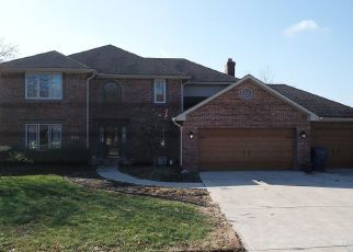 Foreclosed Home in Greenwood 46143 WILLOW LAKE DR - Property ID: 4513429498