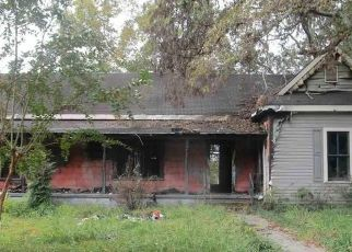 Foreclosed Home in Anniston 36201 W 32ND ST - Property ID: 4513641479