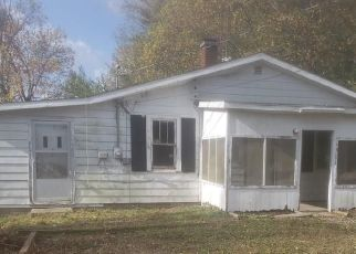 Foreclosed Home in Brownstown 47220 W RAYMOND ST - Property ID: 4513646291