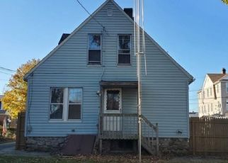 Foreclosed Home in Waterbury 06705 KNOLL ST - Property ID: 4513793905
