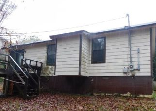 Foreclosed Home in Selmer 38375 BRAMBLEWOOD DR - Property ID: 4513861340