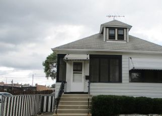 Foreclosed Home in Chicago 60655 S SAWYER AVE - Property ID: 4513923984