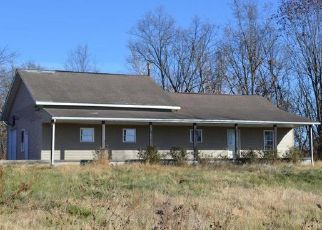 Foreclosed Home in Carrollton 62016 E CEMETERY RD - Property ID: 4513938423