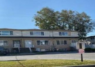 Foreclosed Home in Staten Island 10303 SPIRIT LN - Property ID: 4513990994