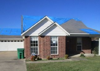 Foreclosed Home in De Kalb 75559 BERMUDA PL - Property ID: 4514031717