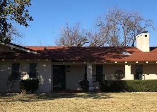Foreclosed Home in Snyder 79549 DENISON AVE - Property ID: 4514032589