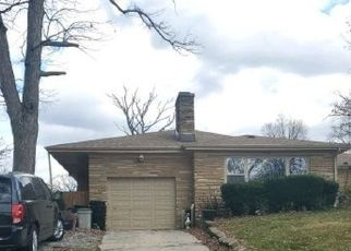 Foreclosed Home in Chicago Heights 60411 W 16TH PL - Property ID: 4514099603