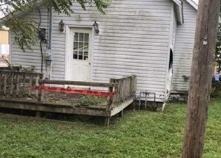 Foreclosed Home in Centralia 62801 ALLISON AVE - Property ID: 4514111427