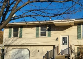 Foreclosed Home in Naugatuck 06770 CELENTANO DR - Property ID: 4514167484