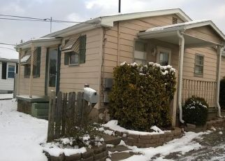 Foreclosed Home in Evansville 47712 LESLIE AVE - Property ID: 4514197711