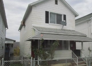 Foreclosed Home in Wilkes Barre 18706 PULASKI ST - Property ID: 4514235819