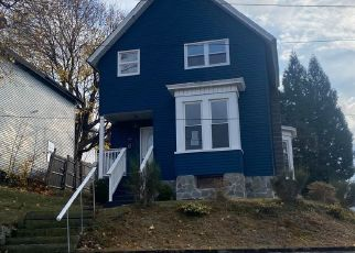 Foreclosed Home in Carbondale 18407 8TH AVE - Property ID: 4514240183