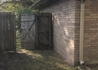 Foreclosed Home in Alvin 77511 WESTGLEN DR - Property ID: 4514256841