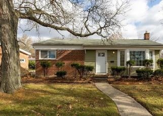 Foreclosed Home in Dearborn Heights 48127 AMBOY ST - Property ID: 4514276996