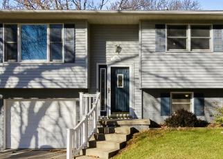 Foreclosed Home in Dubuque 52002 LAGEN ST - Property ID: 4514317265